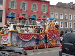 La Vida Sunshine's NOLA Experience - Easter Parade